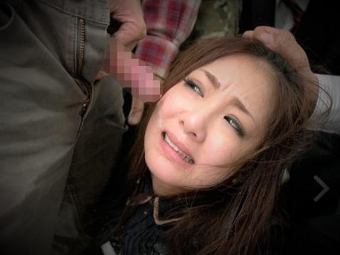 顔射ぶっかけ@『やめなさい!!いやっ。。』美巨乳おっぱいお姉さんがバスで集団痴漢!デカチンイラマチオでザーメン発射